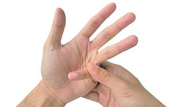 Parmak Çıtlatma Hareketi Nedenleri ve Zararları?