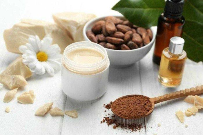 Kakao Yağının Çatlaklardan Bronzlaşmaya Kadar Mucize Faydaları