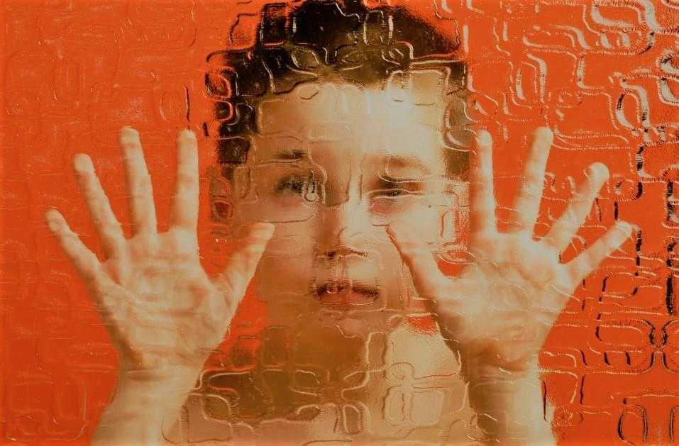 Asperger Sendromu Nedir? Belirtileri Nelerdir, Tedavisi Nasıldır?