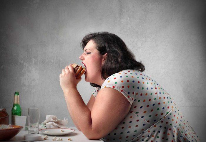 Tüp mide ameliyatı nedir? Tüp mide ameliyatı zararlı mı?