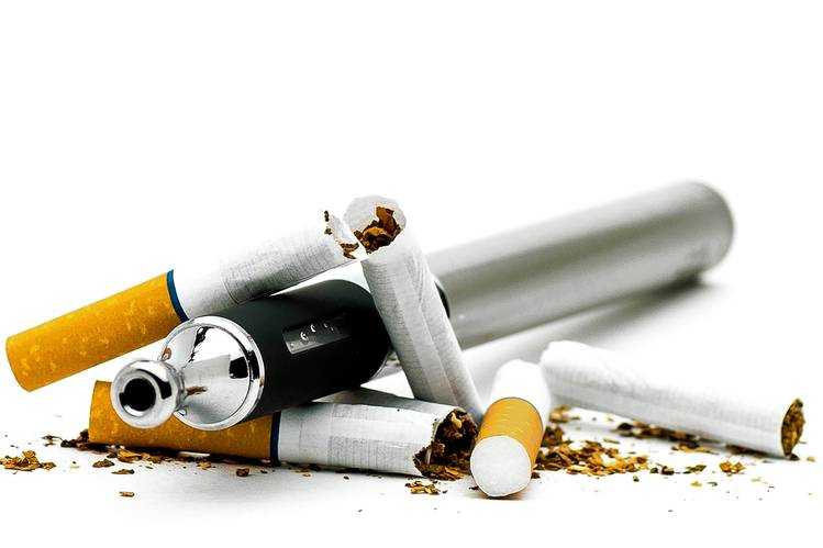Normal Sigara mı, Elektronik Sigara mı Daha Zararlı?