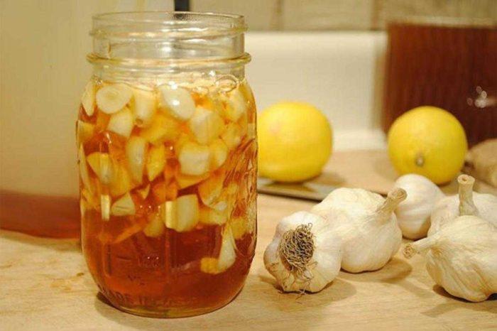 Yağ Yakan, Kolesterolü Düşüren Mucize: Limon Sarımsak Kürü Nasıl Yapılır?