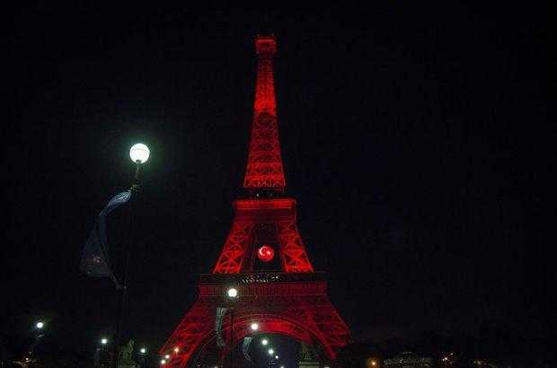 Eyfel Kulesi Kırmızı Beyaza Boyandı! - Türkiye 2 - 0 Fransa