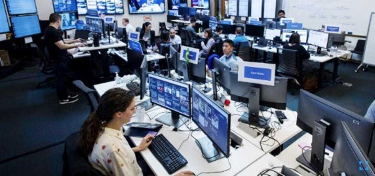 Facebook 500 Kişiyi İşe Almaya Hazırlanıyor