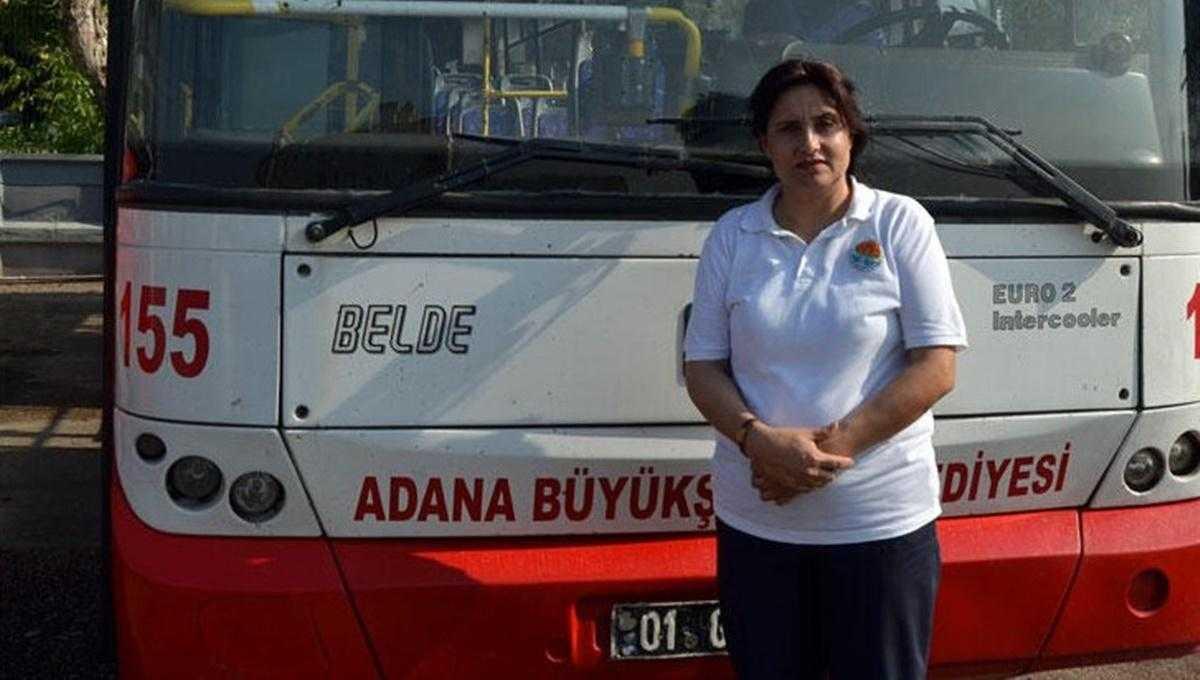 Yolcunun Hayatını Kurtaran Kadın Belediye Otobüsü Şoförü Altınla Ödüllendirildi