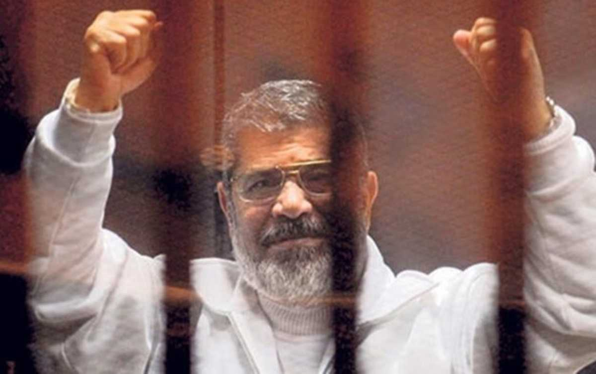 Mısır'ın Eski Devlet Başkanı Mursi Mahkeme Salonunda Hayatını Kaybetti