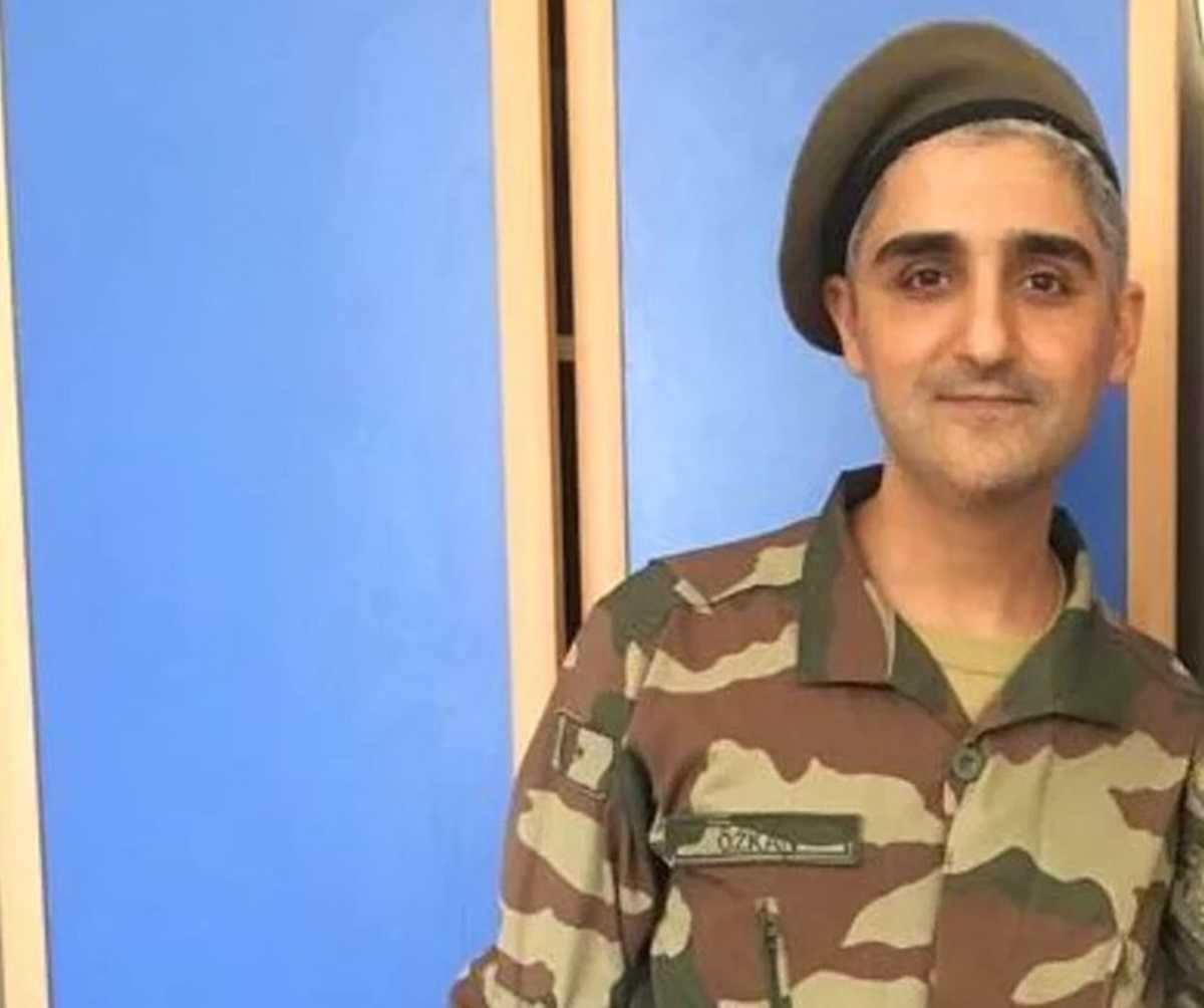Manuş Baba Asker Fotoğrafı ile Sosyal Medyanın Diline Düştü