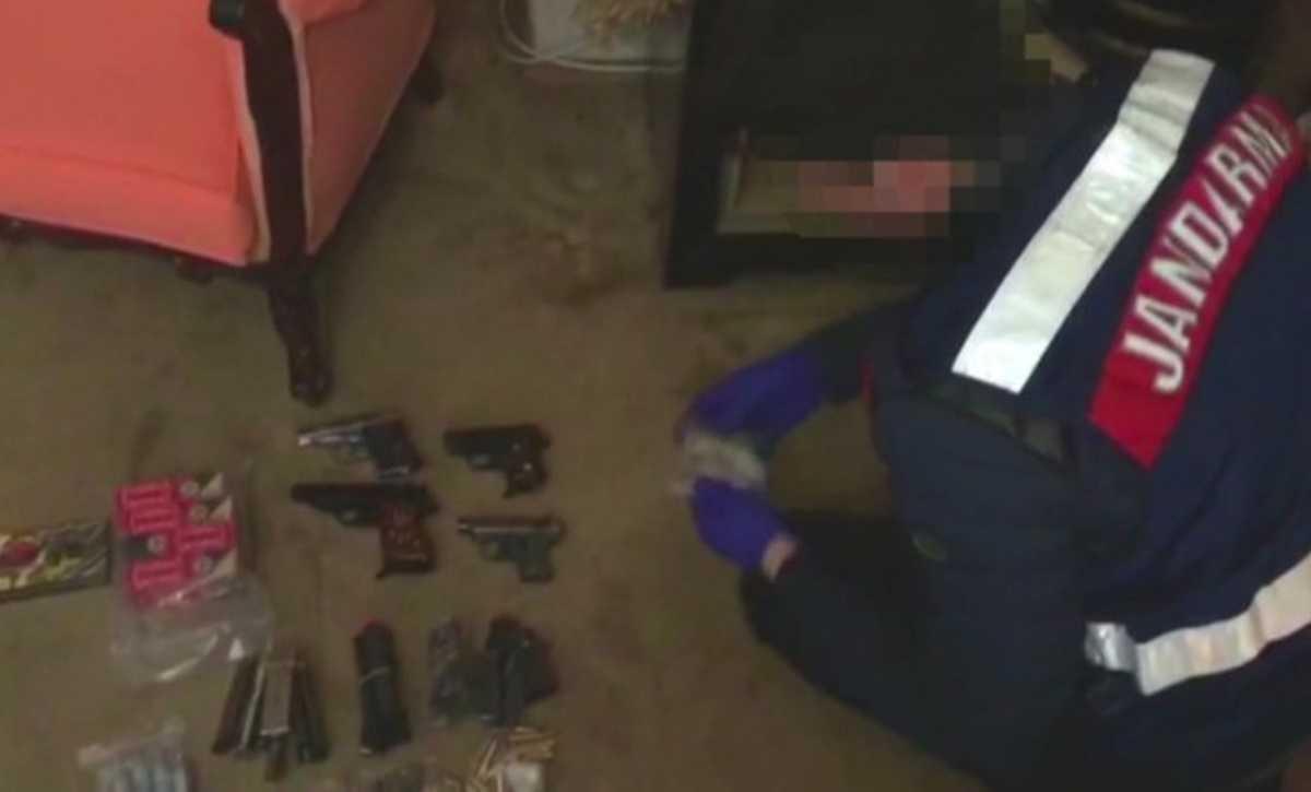 Jandarma Ekipleri Kaçak Silah Operasyonunda Suikast Silahı Ele Geçirdi