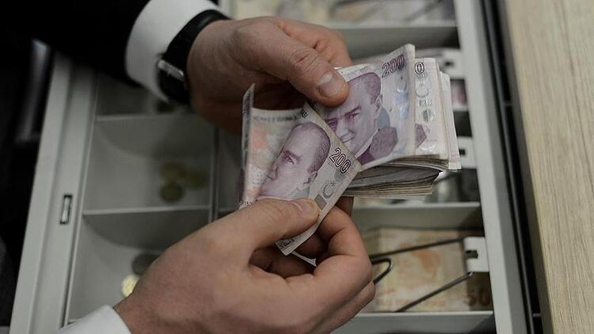18 Mayıs Pazartesi bankalar çalışıyor mu? Sokağa çıkma yasağında bankalar açık mı?