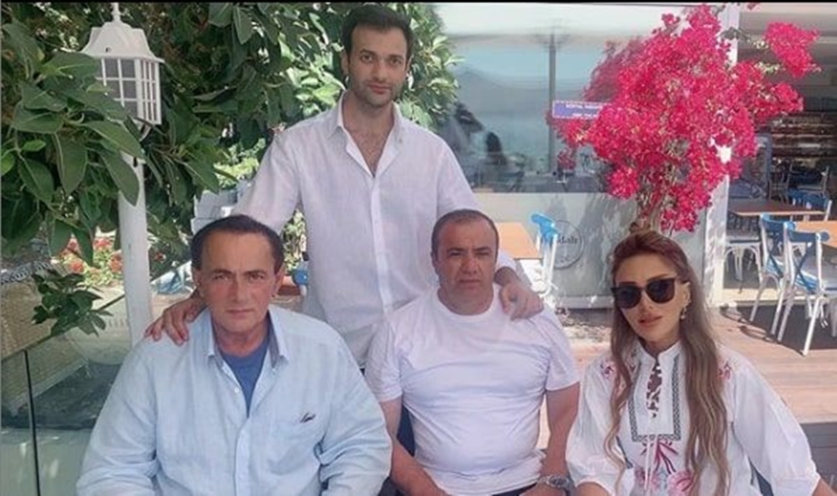 Ece Erken sevgilisi Şafak Mahmutyazıcıoğlu ve Alaattin Çakıcı ile birlikte fotoğrafını paylaştı